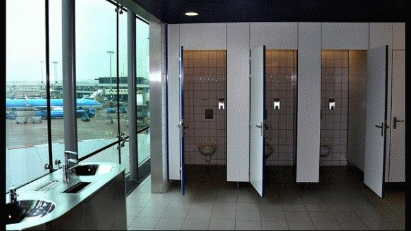 Penampakan toilet