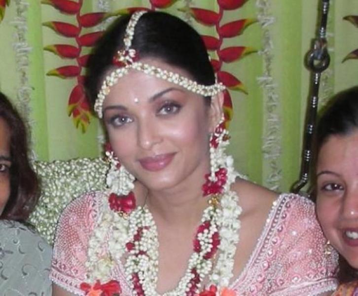 Aishwarya Rai, menikah dengan pohon di tahun 2007