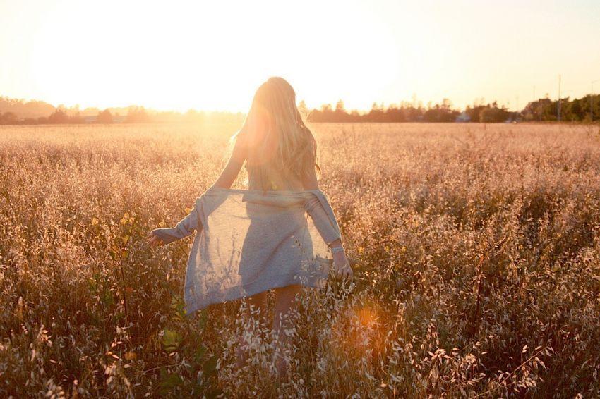 Kamu akan mulai move on dan membuka hati