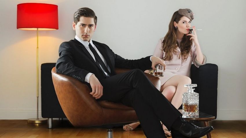 Wanita sukses menikahi pria kaya