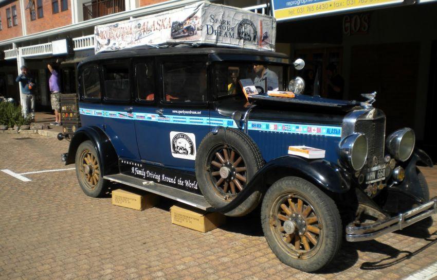mobil tua hadiah dari kakek