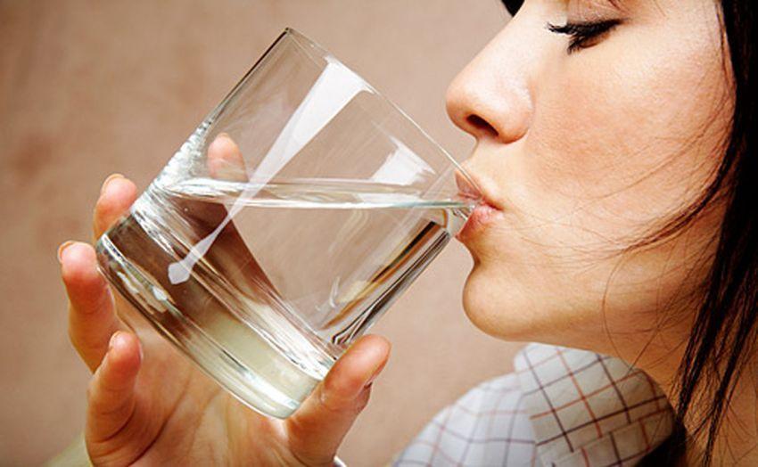 biasakan minum air