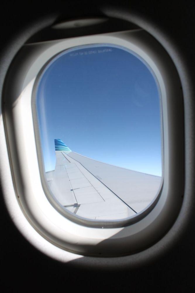 Incar tempat duduk dekat sayap