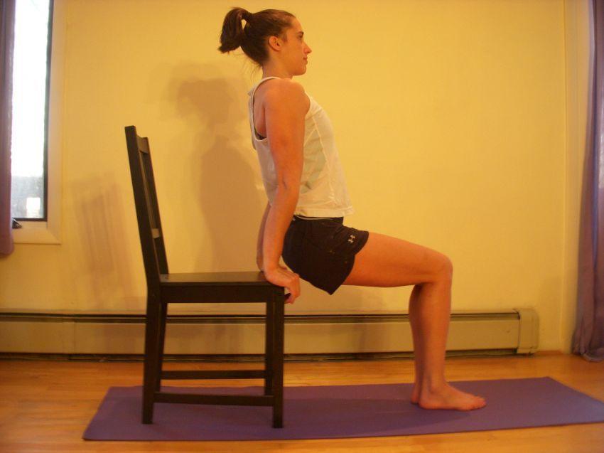 Latihan dengan kursi