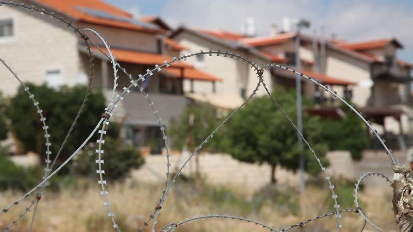 Pembatas antara wilayah Israel dan Palestina