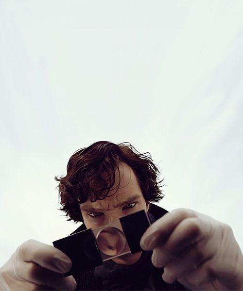 Sherlock Holmes dan suryakantanya