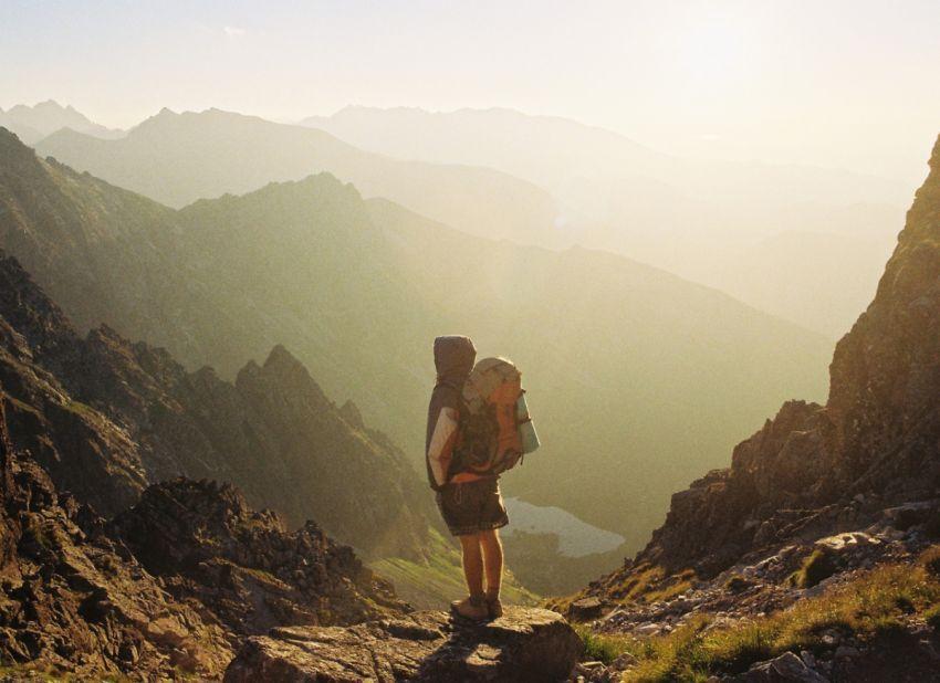 Langkahkan kakimu untuk melihat dunia