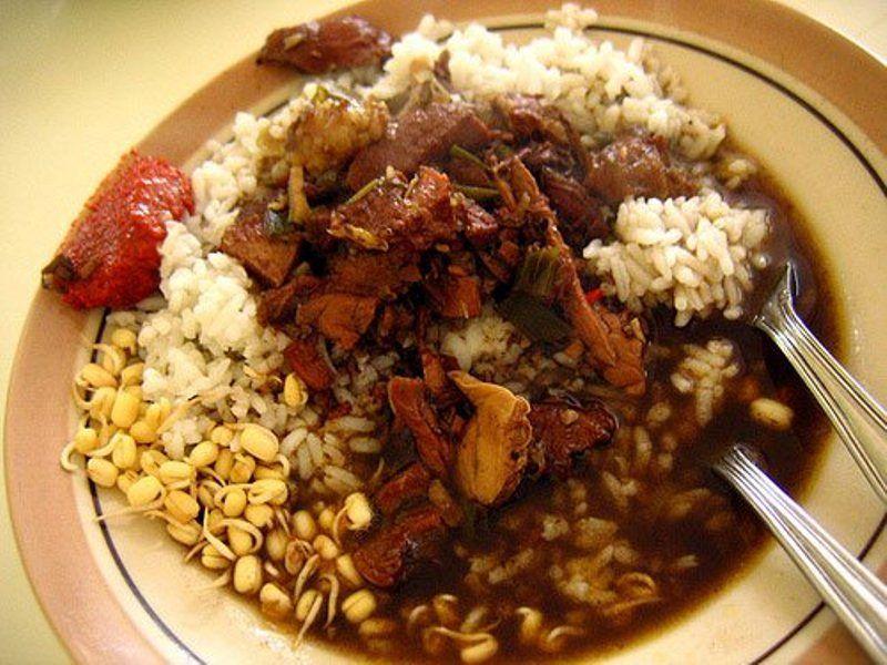 Makan nasi rawon hampir setiap hari