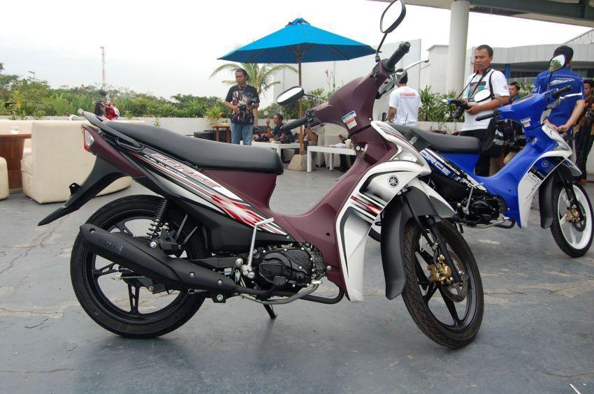 Sepeda motor: untuk manuver yang lincah