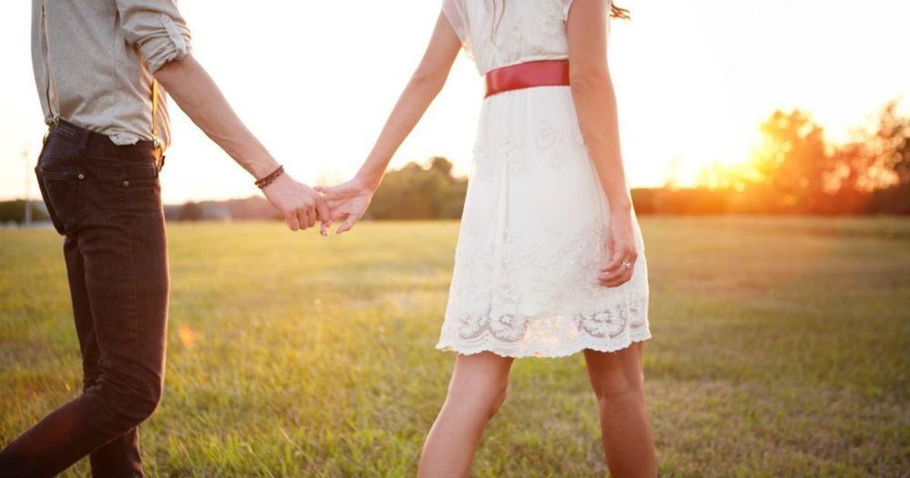 10 Ragam Perasaan yang Kamu Akrabi Ketika Benar-Benar Jatuh Cinta