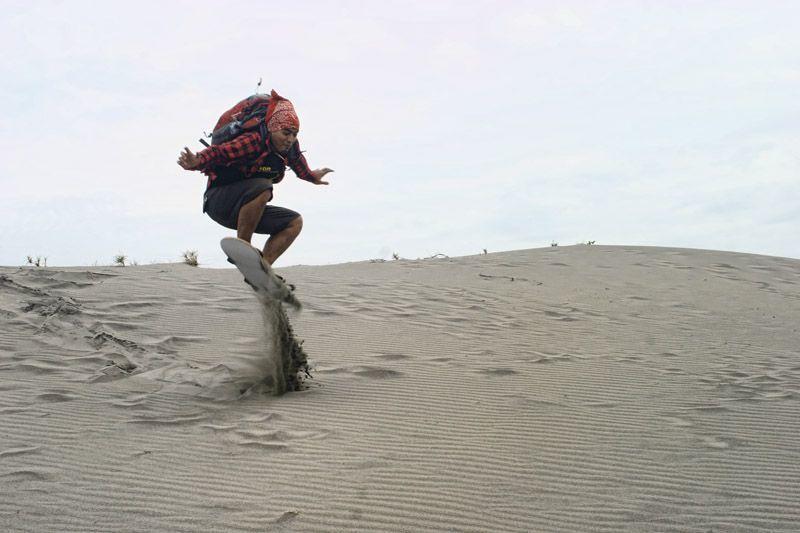Sandboarding di Yogyakarta