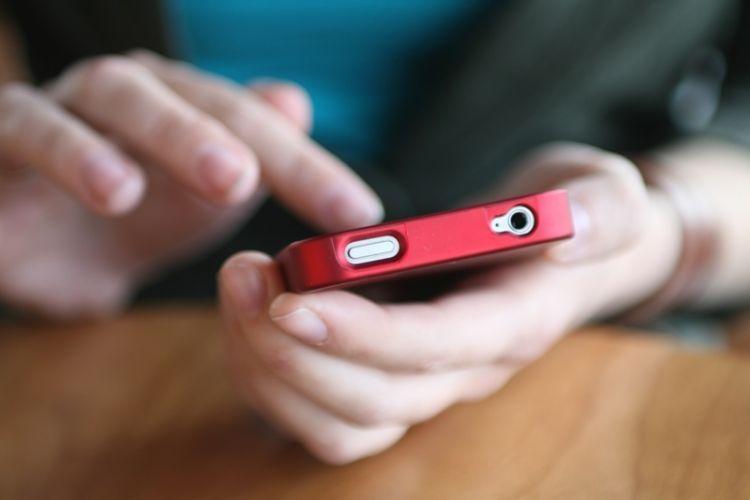 jauhi media sosial