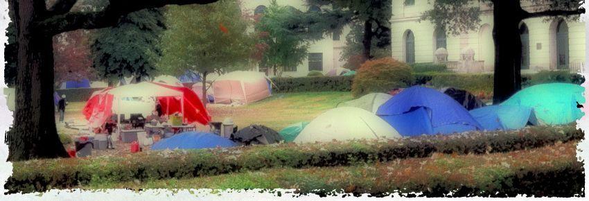 Urban camping di taman kota