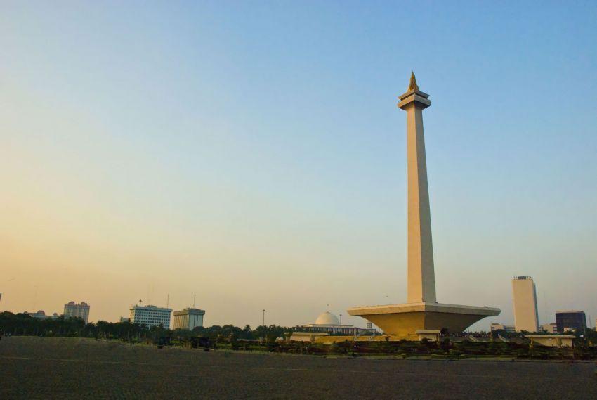 Monas-monument-Jakarta-Indonesia
