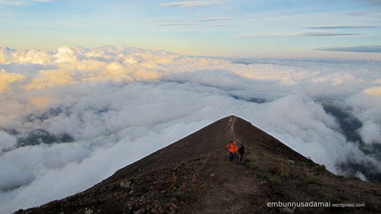 Puncak Gunung Agung