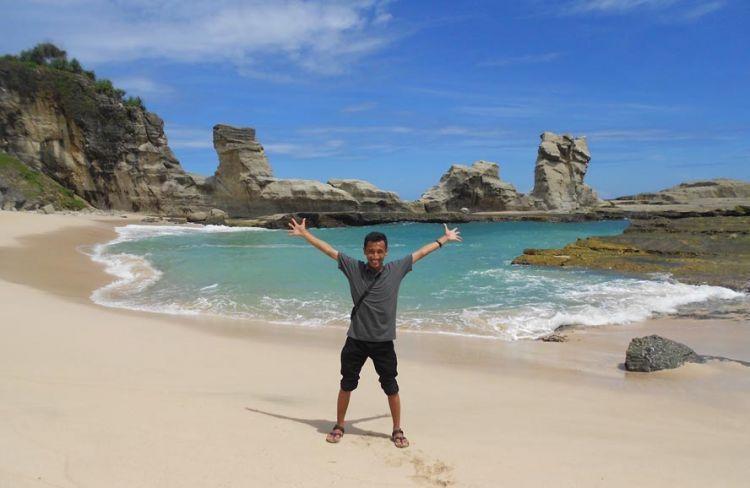 Pantai Klayar: Pantai cantik dan unik di Pacitan