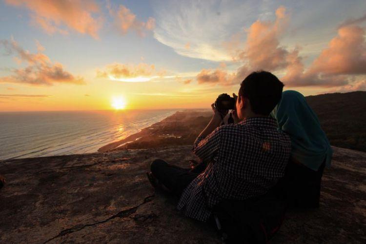 Pemandangan dari Bukit Parang Endog