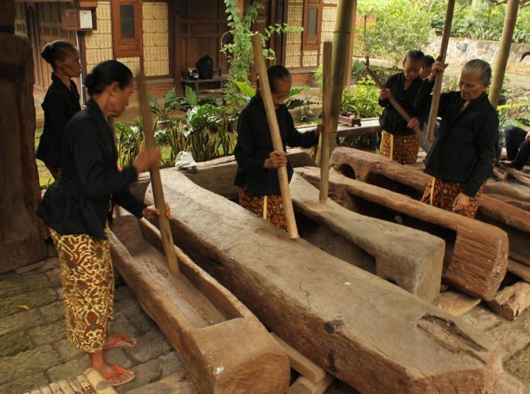 Suku Osing Kemiren
