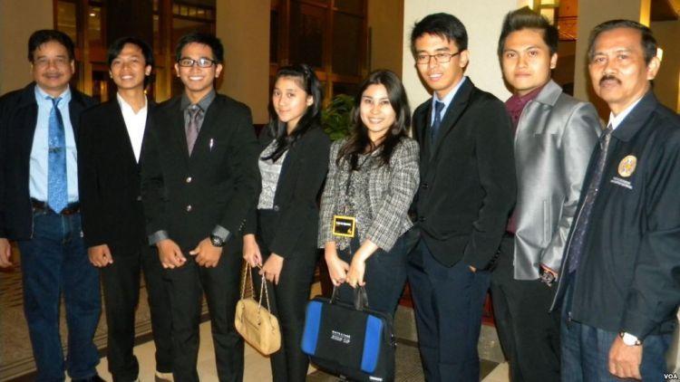 Mahasiswa Hukum mengikuti kompetisi peradilan semu di Washington D.C.