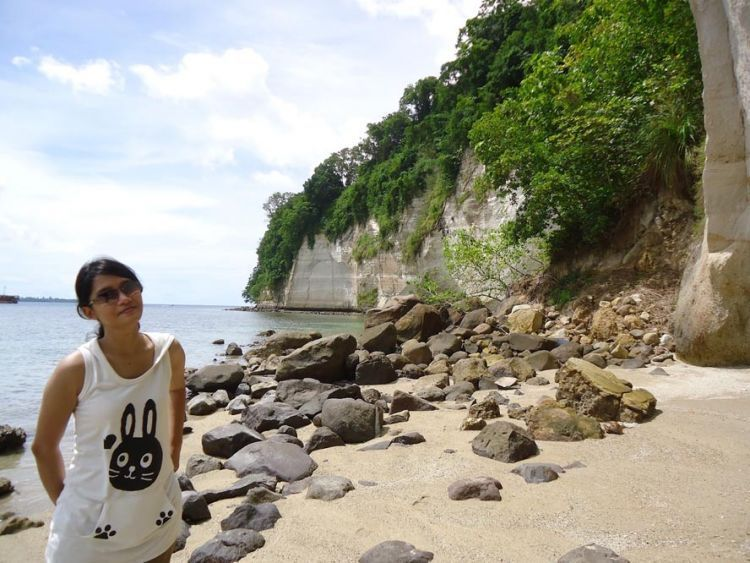 Salah satu pantai di Pulau Lembeh