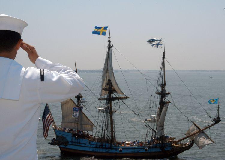 Suami pelaut, ditinggal pergi