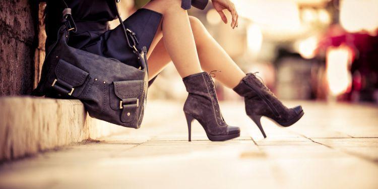 Sepatu berhak yang membuat penampilanmu memikat