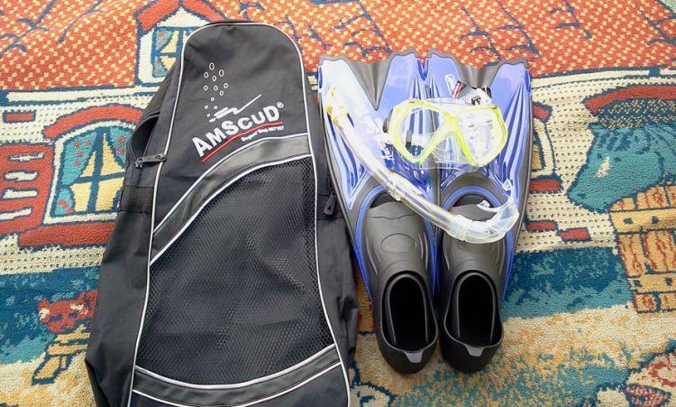Peralatan snorkeling