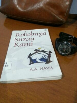 Robohnya Surau Kami, AA Navis