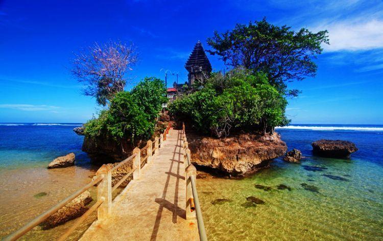 Pantai Balekambang / Foto: Heru Rishardana