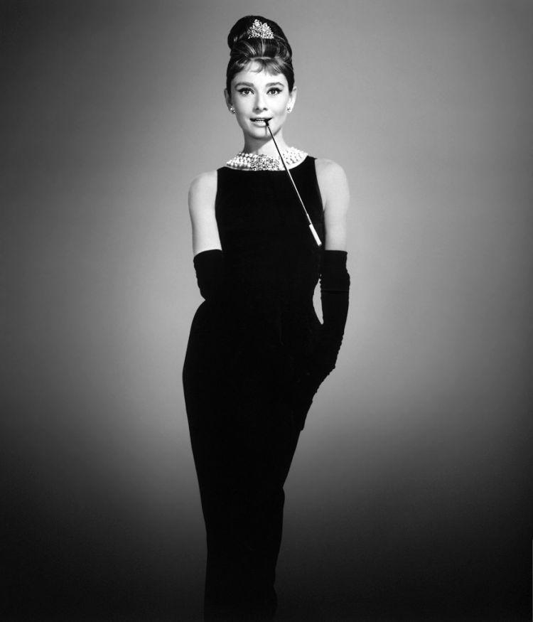 Ikon fashion in black