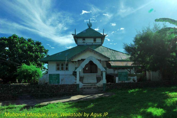 MAsjid Mubarak, masjid tua di Benteng Liya Togo