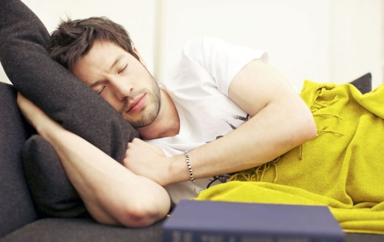 Tidur miring kekanan biar nyenyak