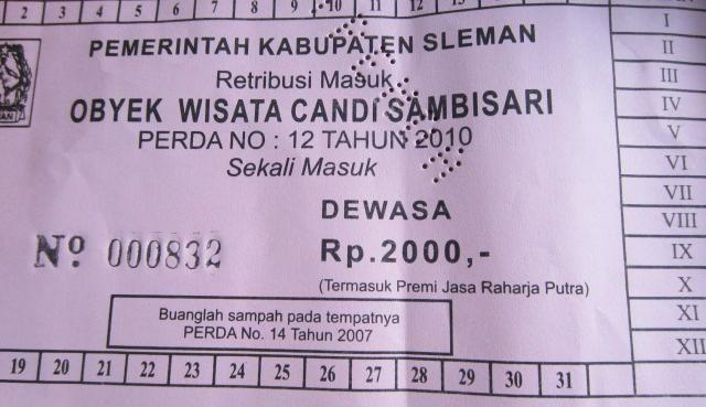 Bayar tiket masuk