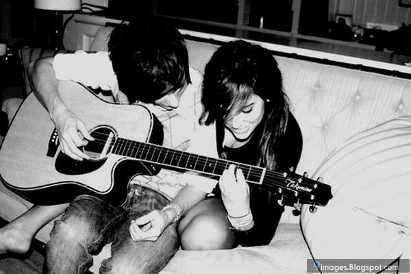 Ajari dia main alat musik