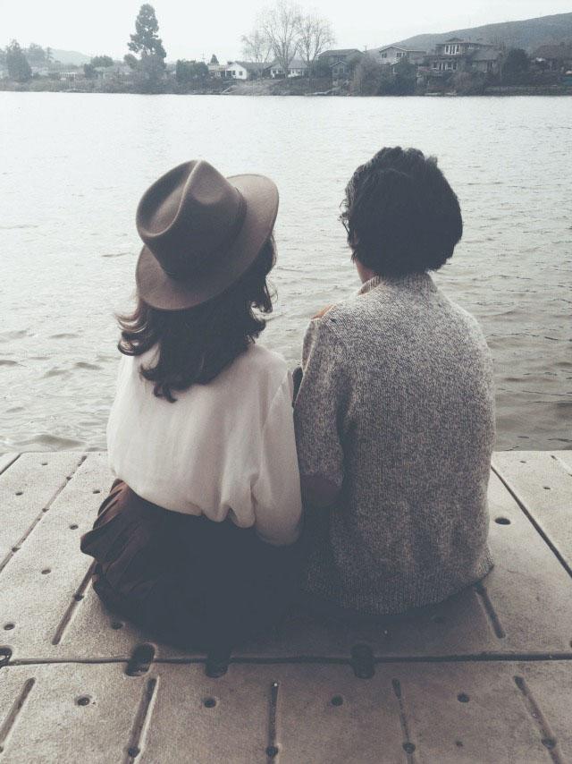Salahkah jika hanya padaku kuharap kau menemukan kenyamanan?