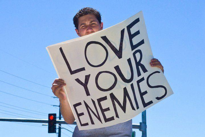 Cintai musuhmu