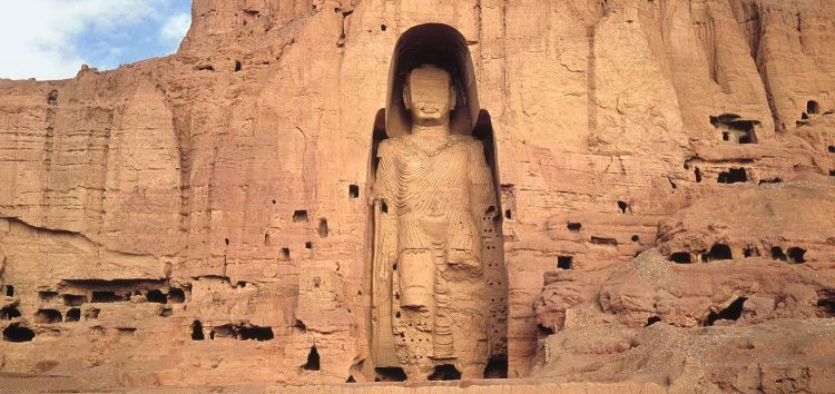 Patung Buddha raksasa di Afghanistan Sebelum dibom oleh Taliban