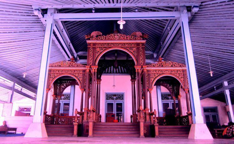 Krobongan Madirenggo di Keraton Surakarta