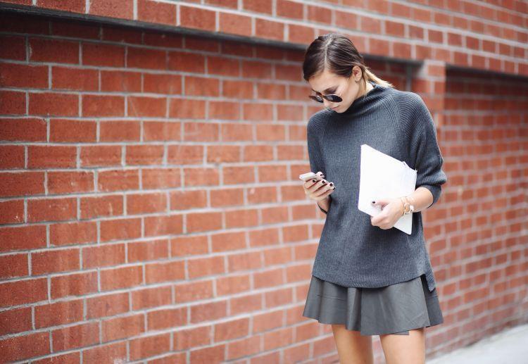 Dating lewat video call bisa meringkas jarak di antara kalian