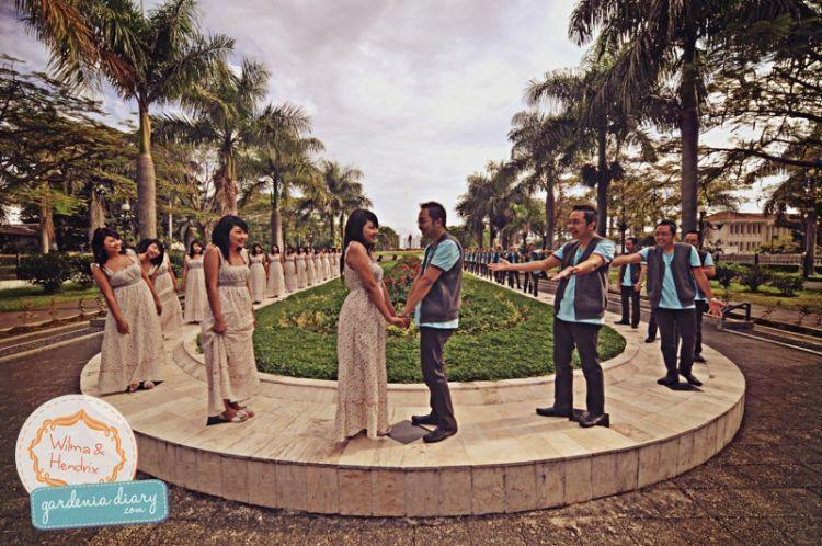 Prewedding di depan monumen pancasila, gasibu