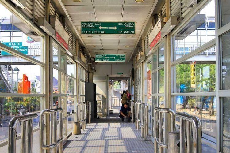Mudah dicapai transportasi umum