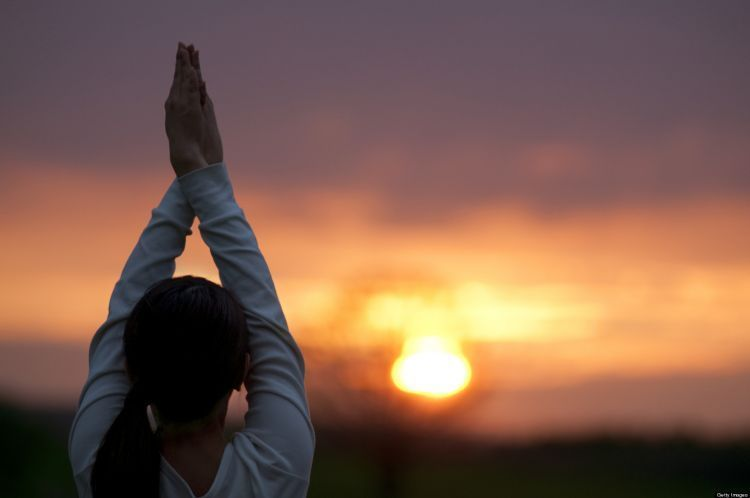 Bermeditasi dan berdoa