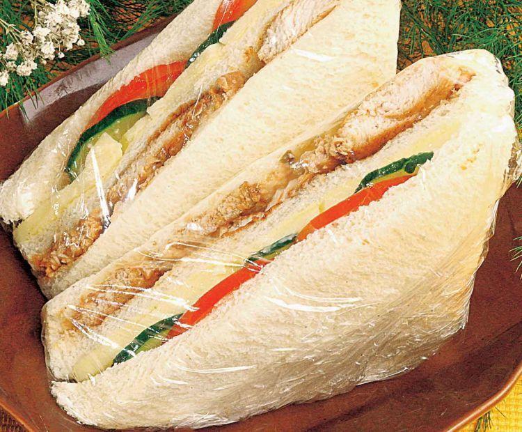Beef Sandwich yang nikmat dan mengenyangkan