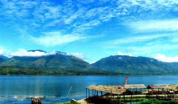 Panorama Danau Singkarak