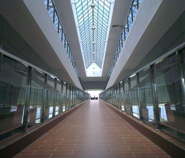 Jalan landai menuju ruang pameran