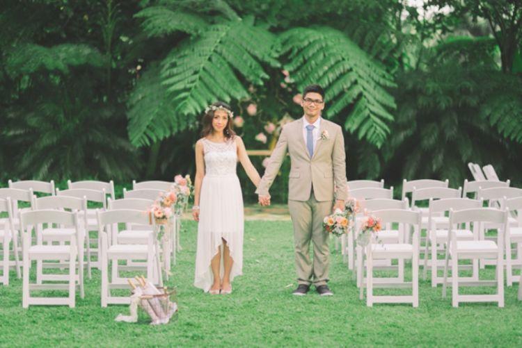 Pesta pernikahan yang sederhana saja