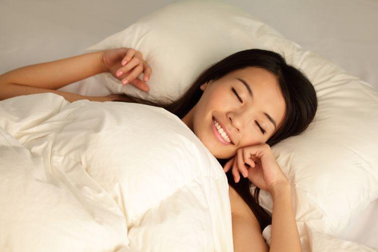 Biar nyaman, tidur gunakan bantal