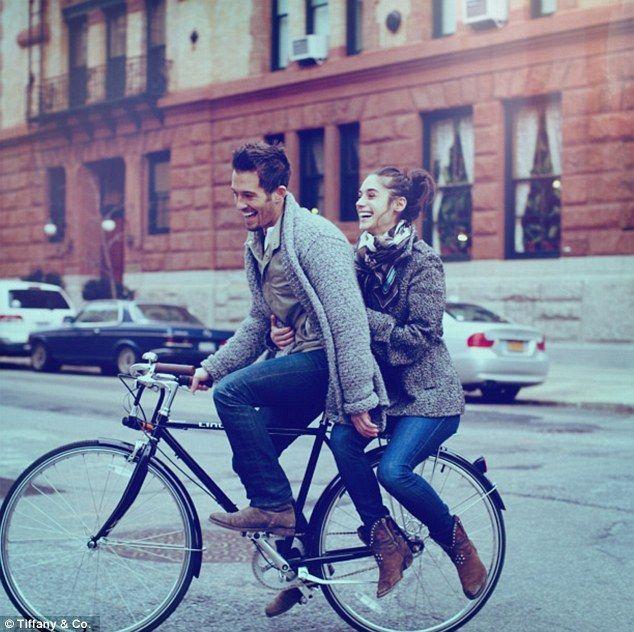 Bulan madu dengan bersepeda keliling