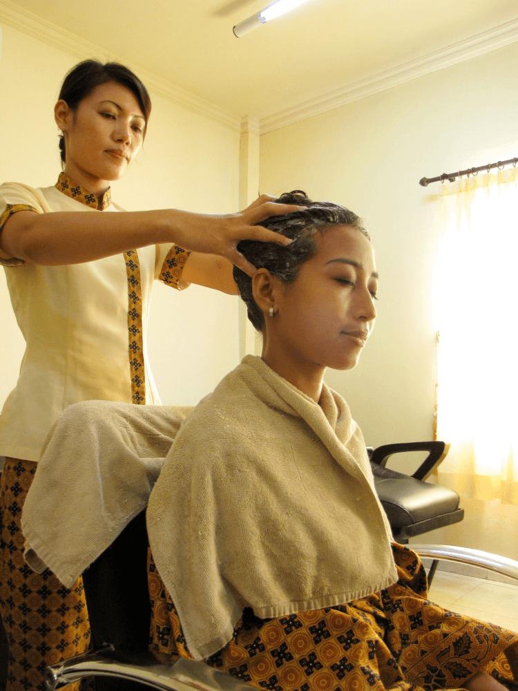 Creambath juga bisa membuat rambutmu tetap sehat