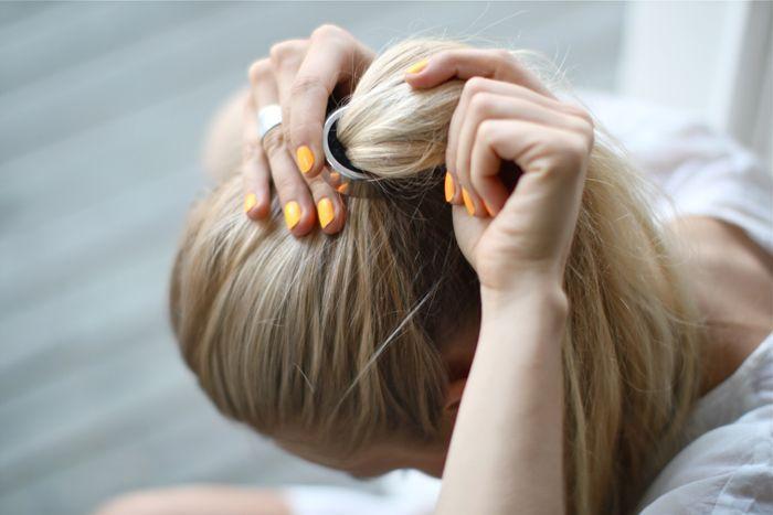 SHELLA   Bukan hanya pacar yang nggak suka dikekang — rambut juga ... 35b04d07fa